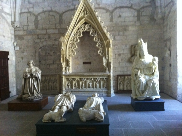Sculptures of the former Popes