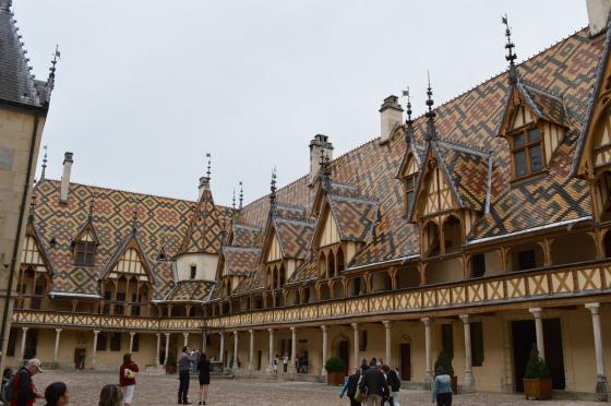 Hôtel Dieu courtyard